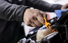 Castrol Car Engine Oils, Motor Oils, Lubricants and Products